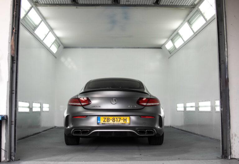 Mercedes benz Spuitwerk